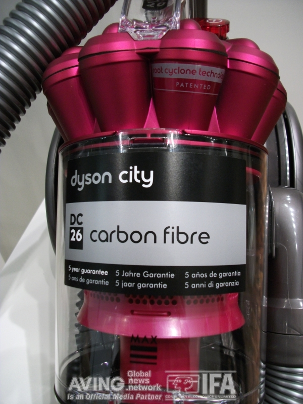 berlin germany aving special report on 39 ifa 2010 39 dyson presents its new dc26 carbon fibre. Black Bedroom Furniture Sets. Home Design Ideas