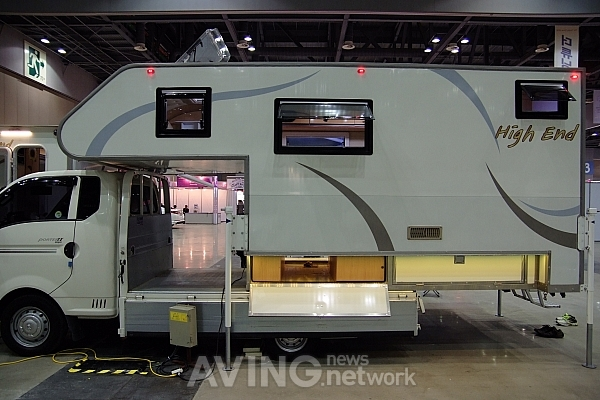 Automotive 2012 On Site High End Camping Car To