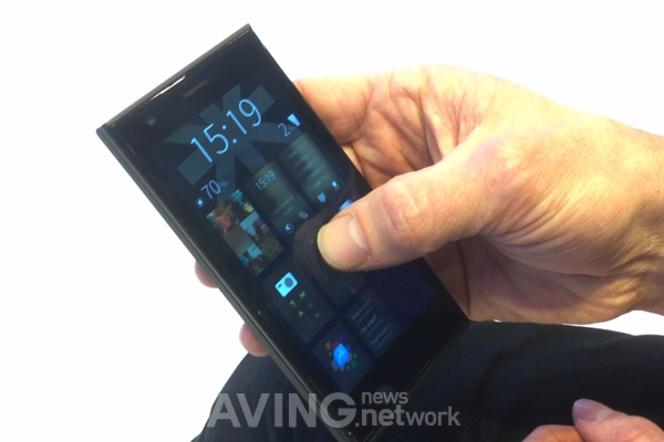 [MWC 2014 Video] Jolla Showed iSailfish Mobile OS on ...