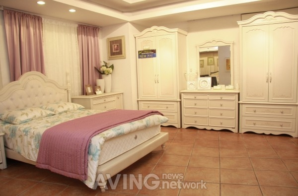 For Marriage Life Emons Furniture To Launch Bouquet Bedroom Set Newlyweds